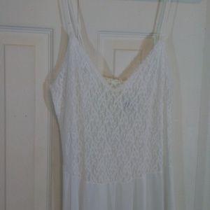 Avon Fashions White Full Length Nightgown